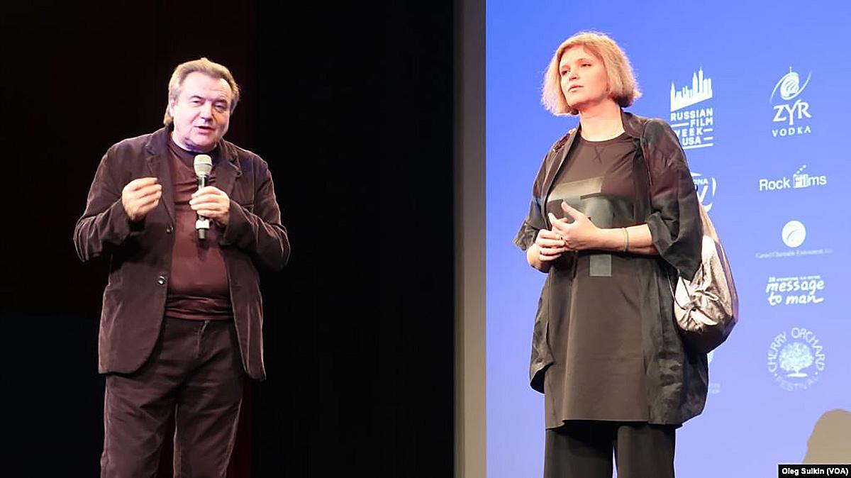 Алексей Учитель и Авдотья Смирнова на открытии RFW-2018